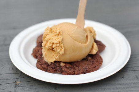 rp_Salted-Caramel-on-Chocolate-Cookie-at-JONES-Ice-Cream-Berlin-1024x682.jpg