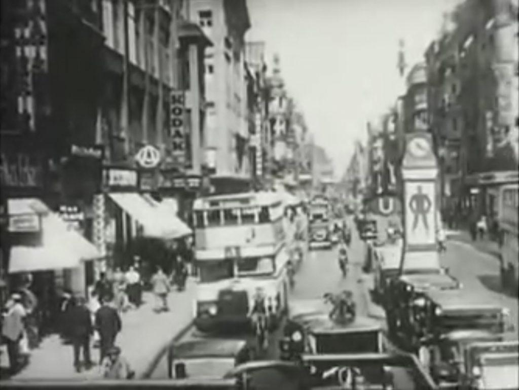 Screenshot von Berlin Bleibt Berlin ein Dokumentarfilm über das Leben in den frühen 1930er Jahren in Berlin von YouTube