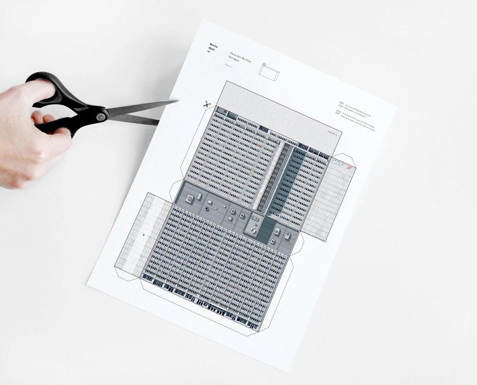 MODERN EAST. Build Your Own Modernist DDR - ein Set von 9 Papiermodellen der DDR-Architektur von Zupagrafika zum Ausschneiden und Zusammenbauen.