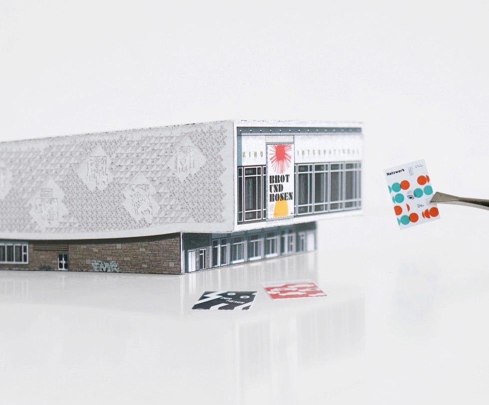 Kino International von MODERN EAST. Build Your Own Modernist DDR - ein Set von 9 Papiermodellen der DDR-Architektur von Zupagrafika zum Ausschneiden und Zusammenbauen.