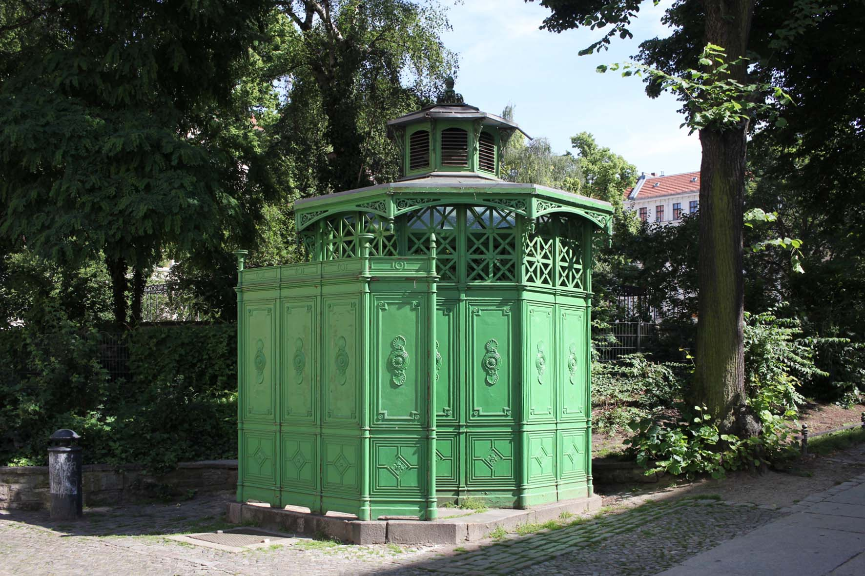 Café Achteck - Chamissoplatz - an example of Berlin's classic 19th century green cast iron public toilets