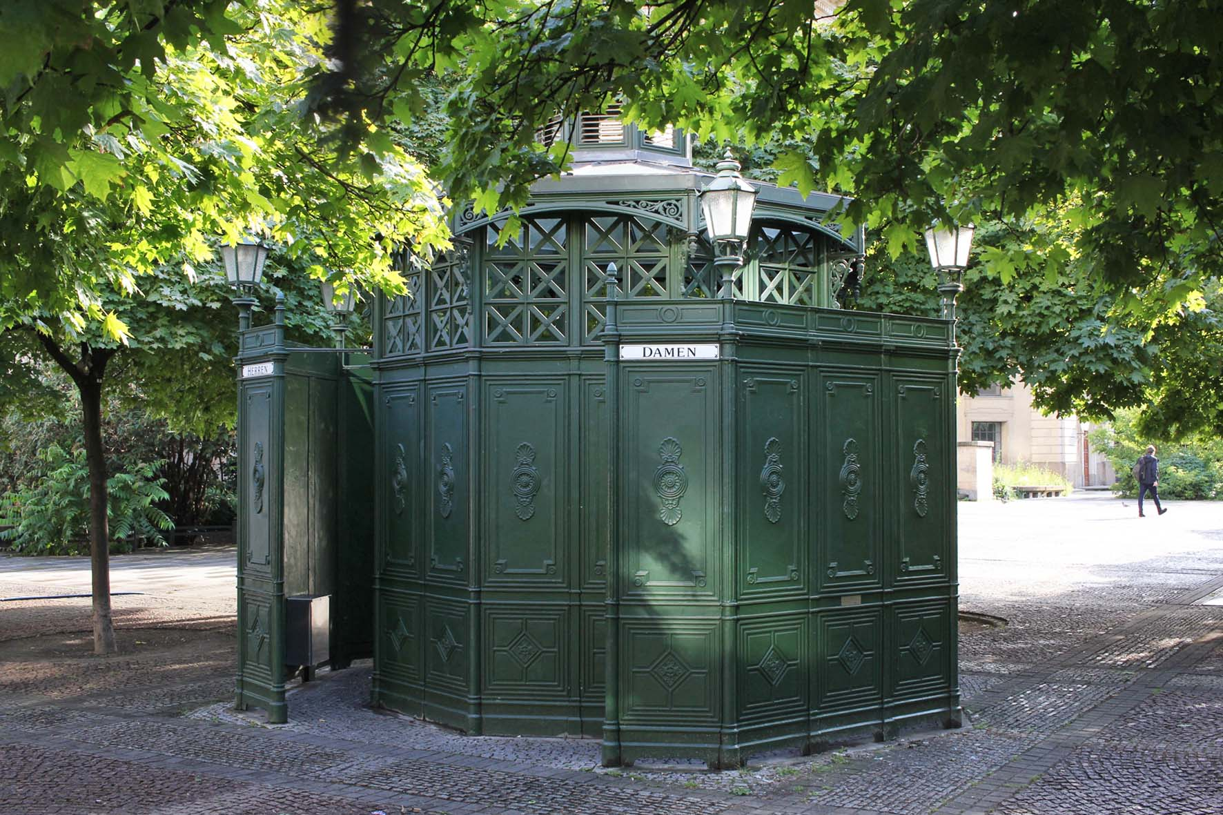 Café Achteck - Gendarmenmarkt - an example of Berlin's classic 19th century green cast iron public toilets