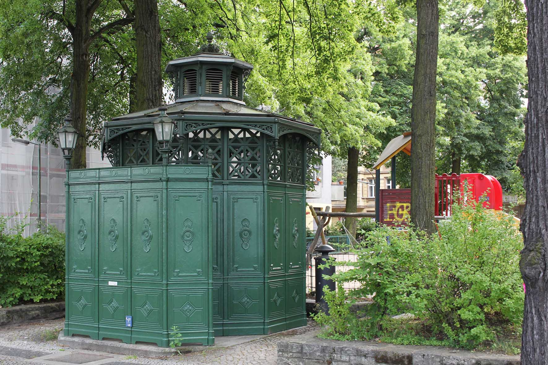 Café Achteck - Leuthener Platz - an example of Berlin's classic 19th century green cast iron public toilets