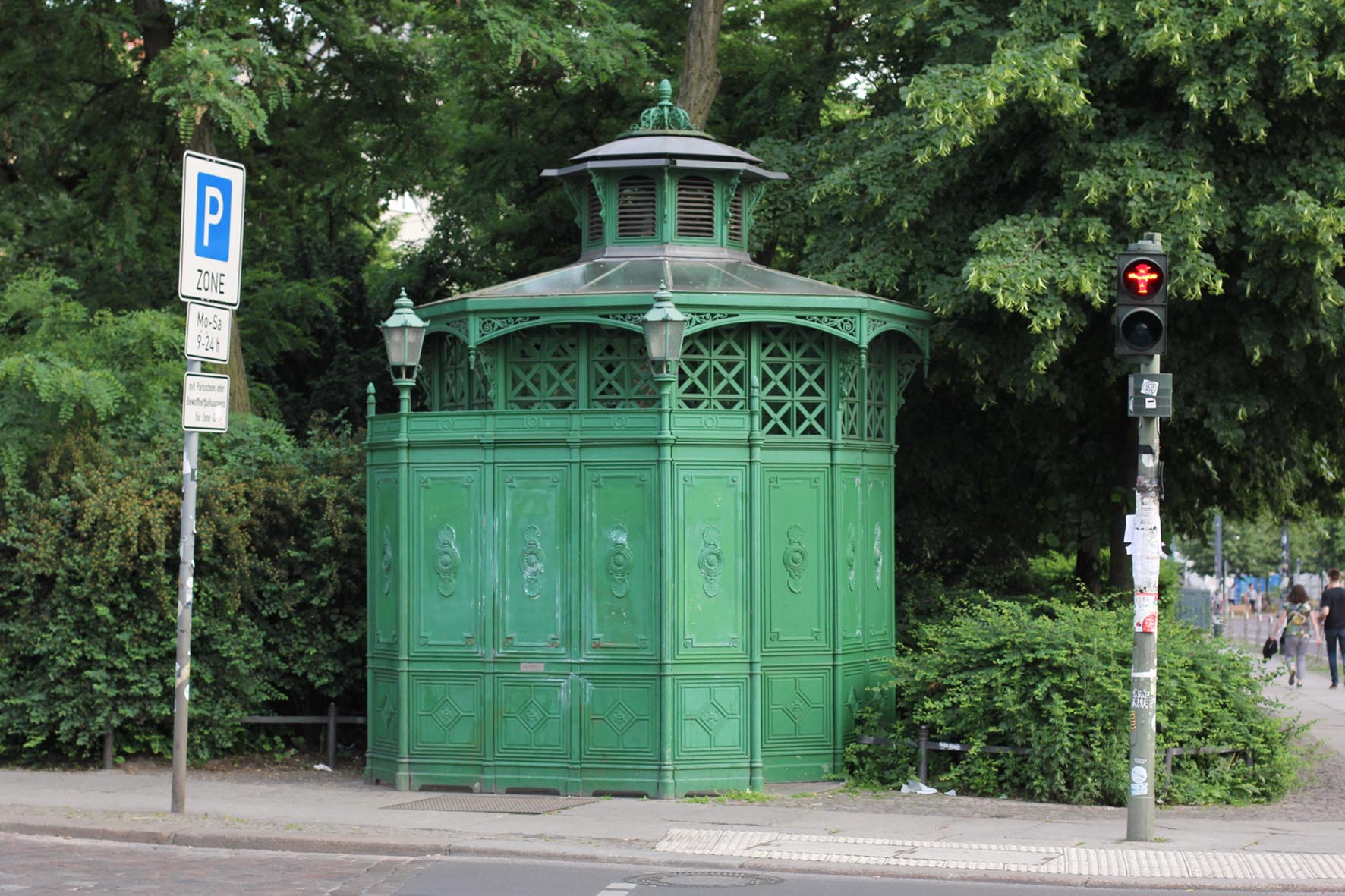 Café Achteck - Senefelderplatz - an example of Berlin's classic 19th century green cast iron public toilets