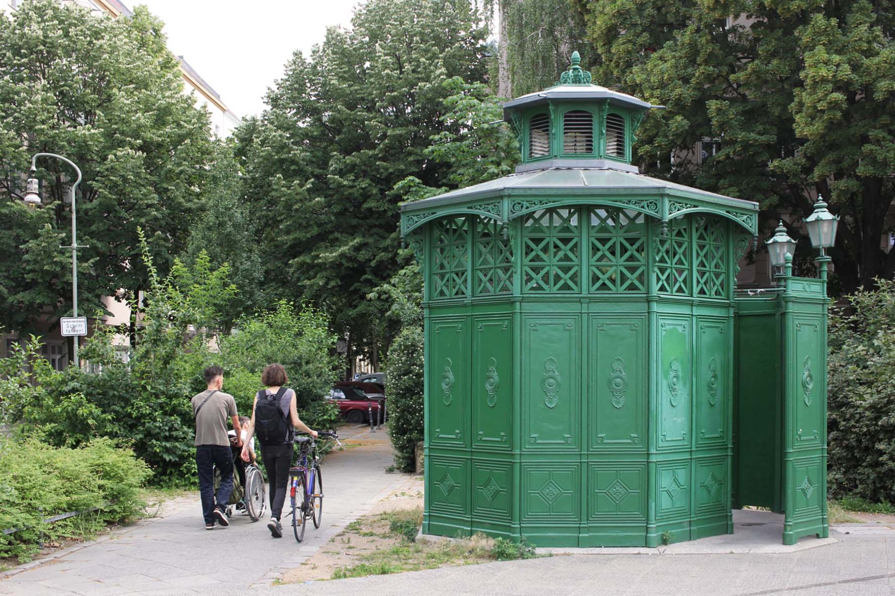 Café Achteck - Unionplatz - an example of Berlin's classic 19th century green cast iron public toilets