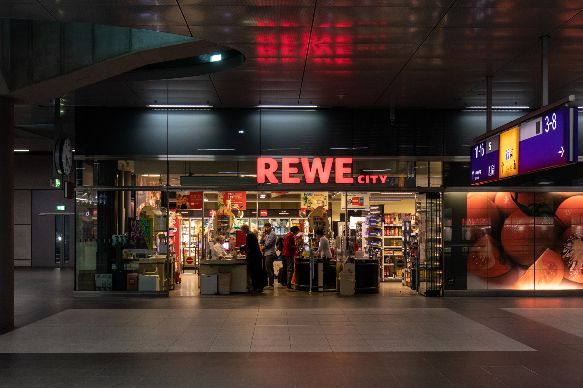 REWE Hauptbahnhof - Supermarkets open Sundays in Berlin