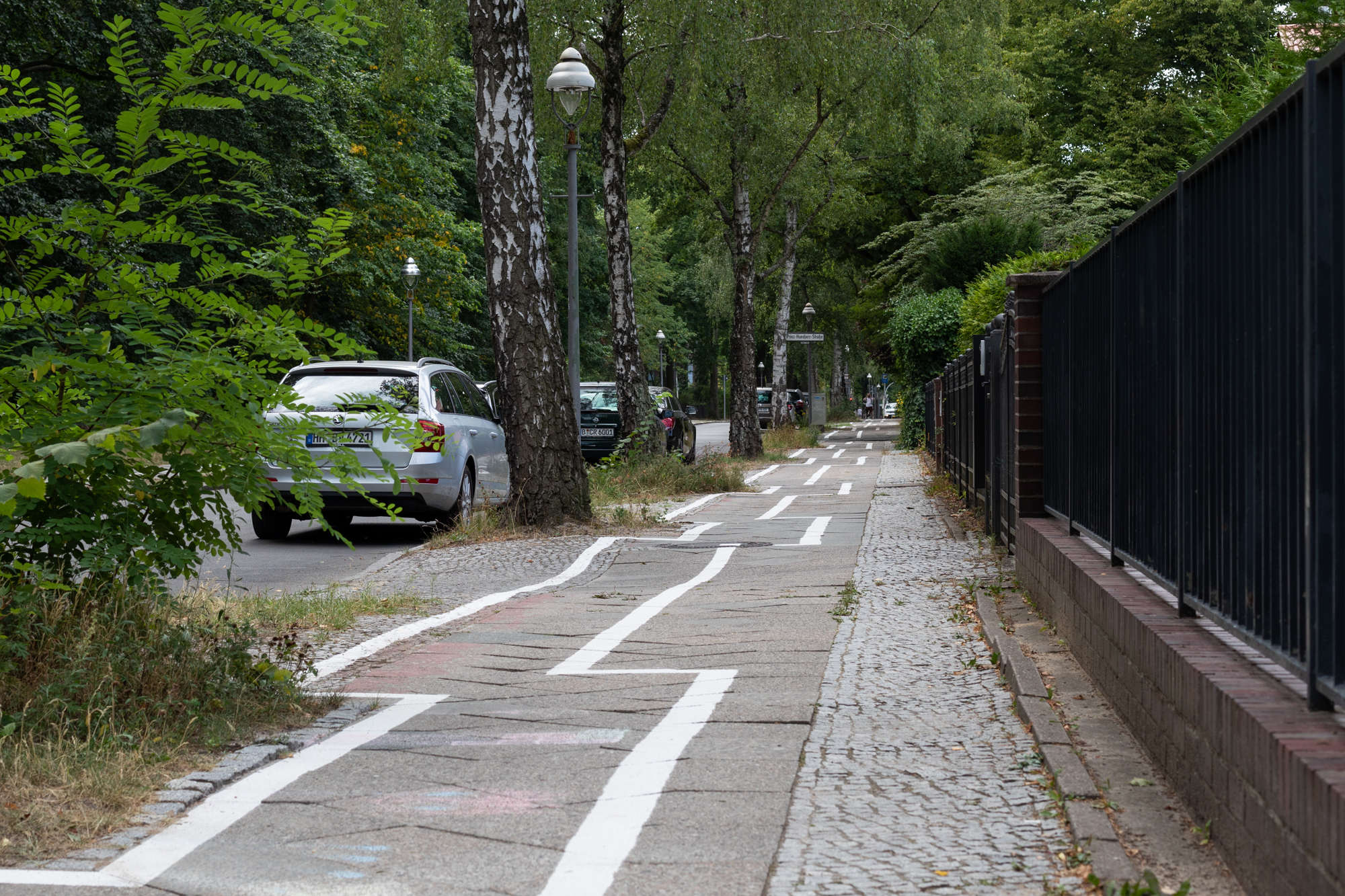 The zig zag cycle path in Berlin Zehlendorf
